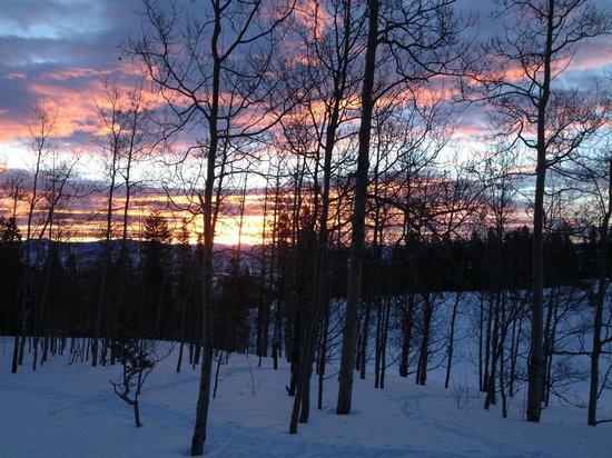 Latigo Dude Ranch: Sunrise from cabin.