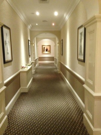 The St. John's Hotel: Corridor 2nd floor