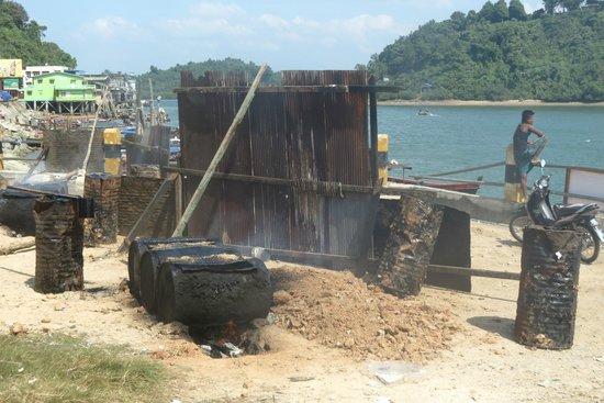 Kawthoung port: Repairs!