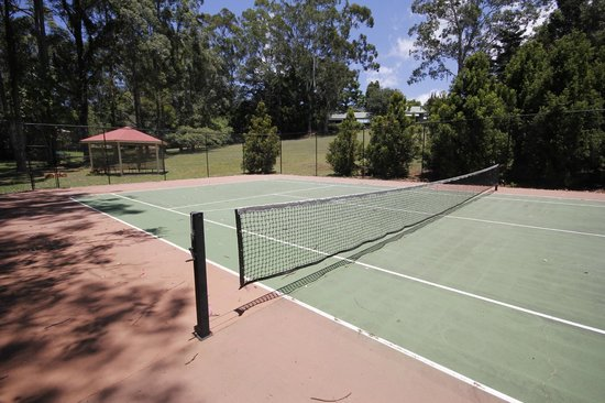 Bendles Cottages & Villas: Tennis Court