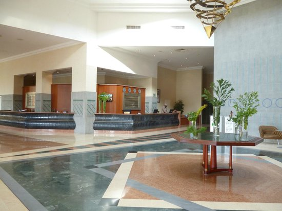 Ledger Plaza N'Djamena: Hall d'accueil et réception