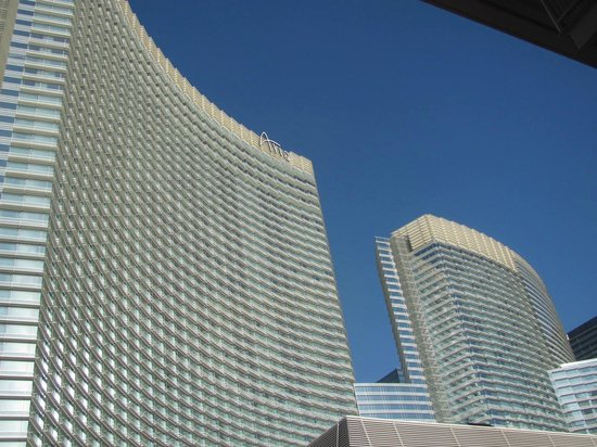 ARIA Resort & Casino: front of hotel from city enter
