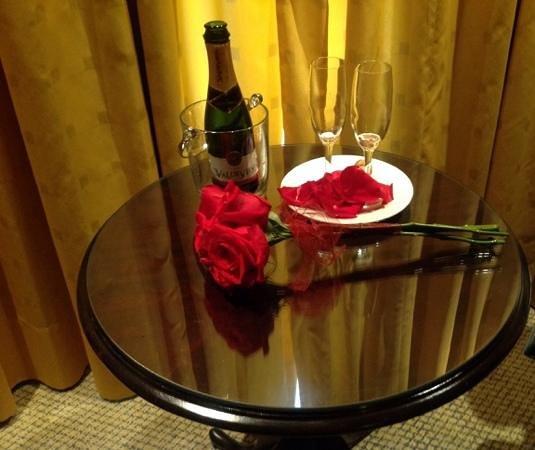 Park Plaza: Aproveitamos o Valentine's Day e tivemos nossa noite romantica!