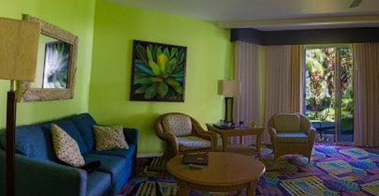 Kona Coast Resort : Spacious Living room
