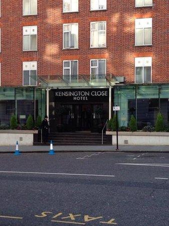 Holiday Inn London - Kensington: kensington close hotel outside