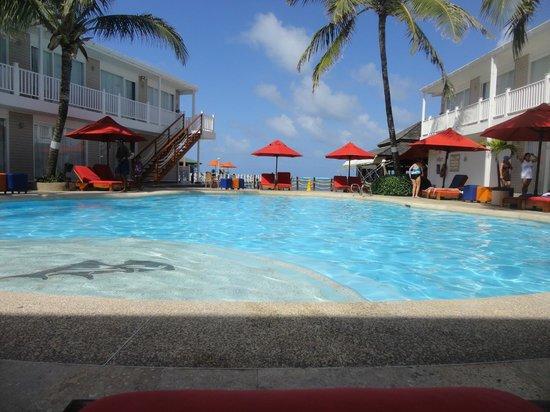 Decameron Los Delfines : piscina tranquila