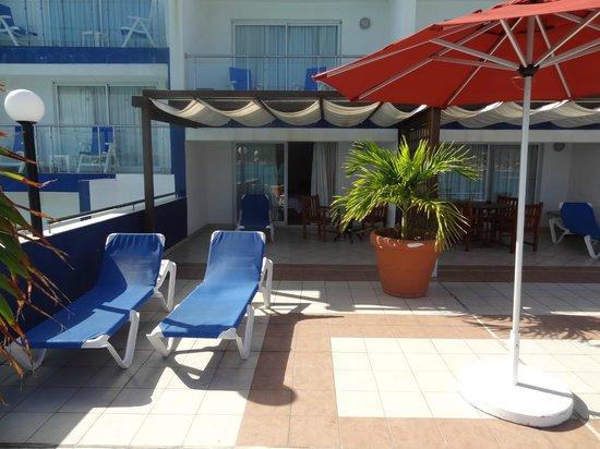 Sonesta Great Bay Beach Resort, Casino & Spa: ROOM 343 MIRAMAR SECTION