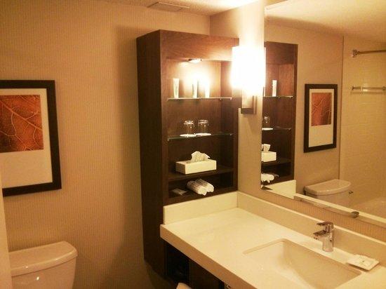 Delta Hotels Quebec: Salle de bains