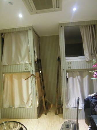 Adler Hostel: Bunk Bed With Curtain