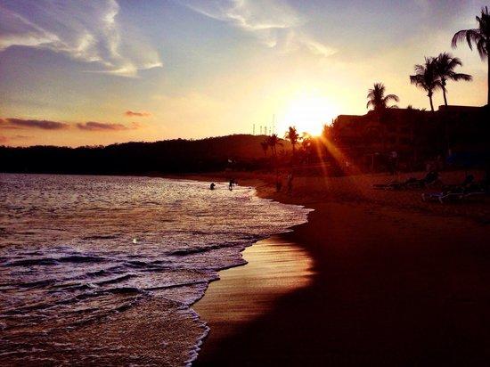 Dreams Huatulco Resort & Spa: Sunset ❤️