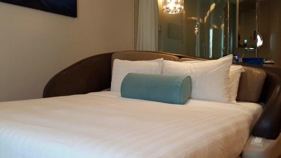Hotel Baraquda Pattaya - MGallery by Sofitel : 房间