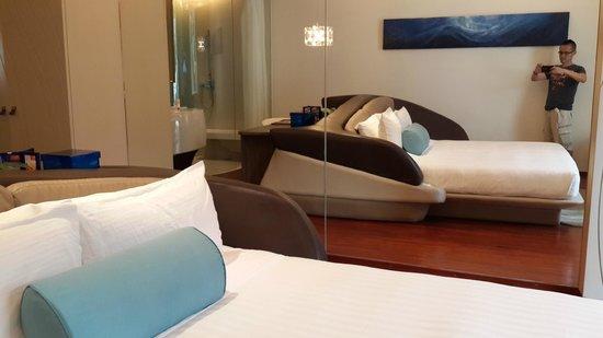 Hotel Baraquda Pattaya - MGallery by Sofitel : 床
