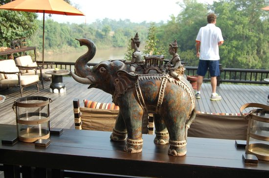 Four Seasons Tented Camp Golden Triangle : Camp grounds