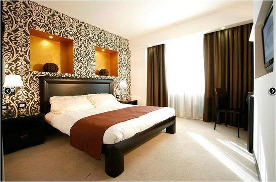 Mira Hotel : красиво и уютно