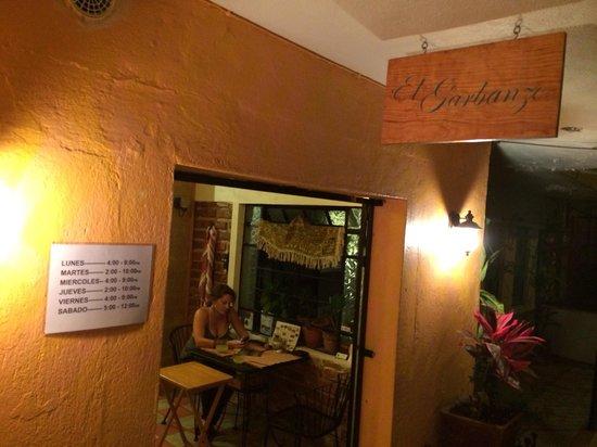 El Garbanzo: Great place