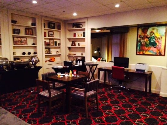 Four Points by Sheraton Meriden: Nice corners to relax in!