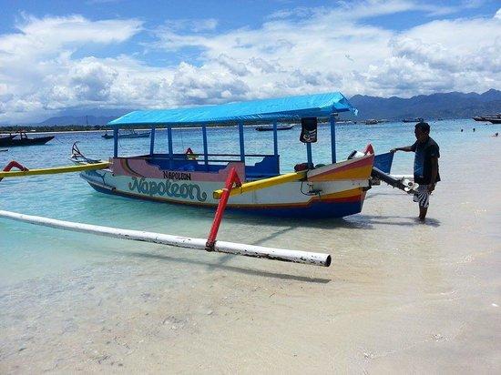 Kebun Villas & Resort: Our boat to Gili Islands
