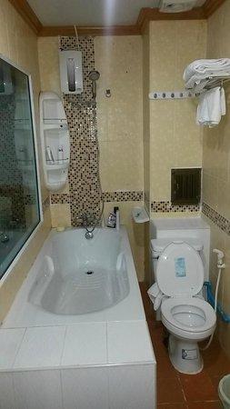 Lamai Guesthouse: ванная