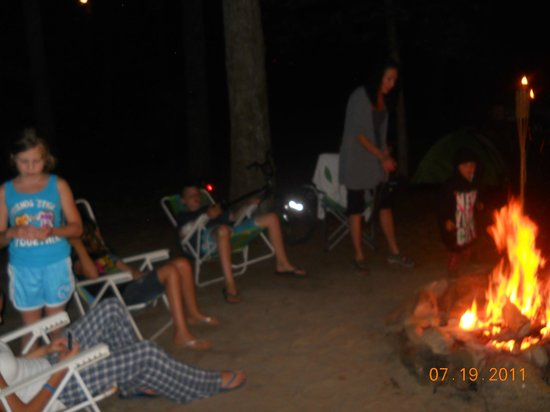 Pinewood Lodge Campground: family fun