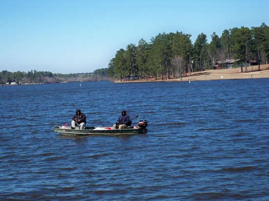 Paul B. Johnson State Park: Some very cold fishermen on the lake