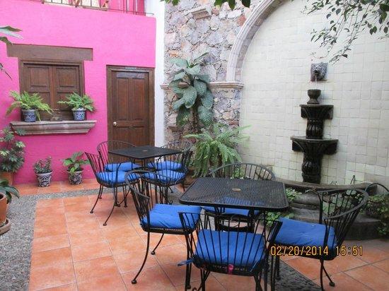 Villa Sueno Azul: The beautiful, peaceful courtyard