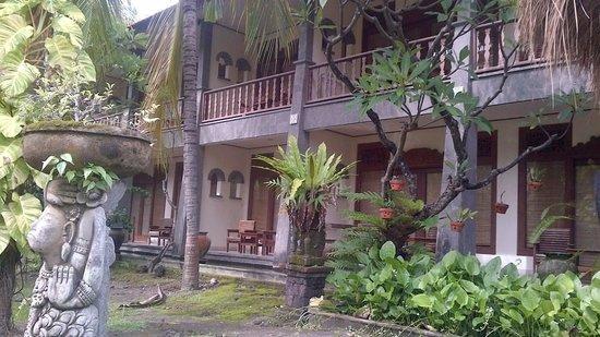 Nirwana Seaside Cottages: Main building