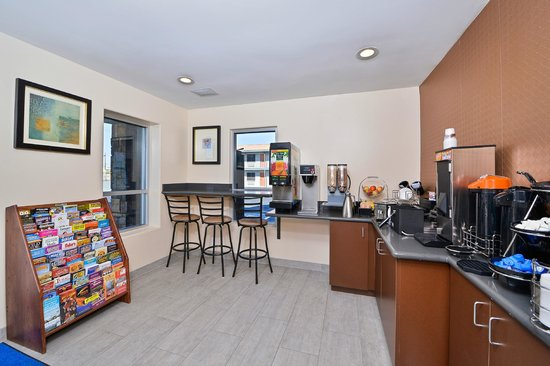 Americas Best Value Inn - Downtown Phoenix: breakfast room
