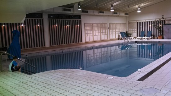 The Margate Resort: giant indoor pool