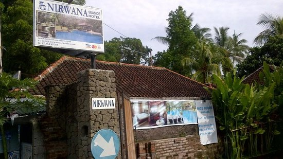 Nirwana Seaside Cottages : Entrance