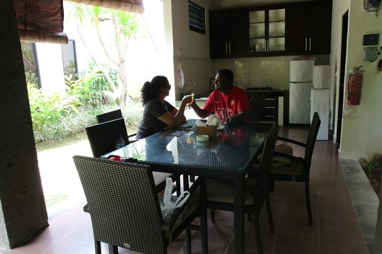 Askara Villa: Dining