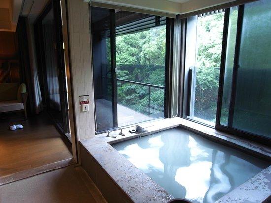 แกรนด์ วิว รีสอร์ท ไบโต: お部屋のお風呂。