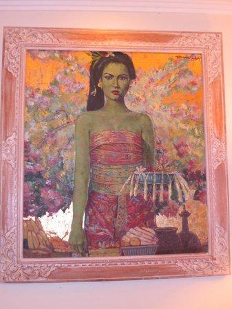 Kamuela Villas and Suite Sanur: Artwork in room