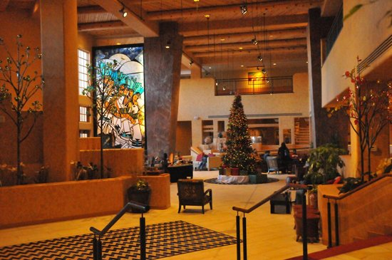 Hilton Santa Fe Buffalo Thunder: Atrium Lobby
