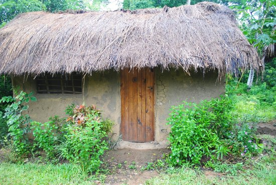 Hondo Hondo Udzungwa Forest Tented Camp: Up Close Thatched Hut