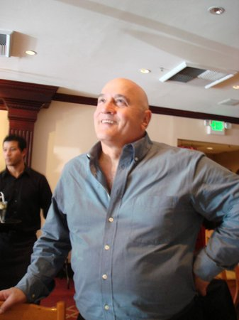 Bay Breeze Inn Oakland: Allan Maroun