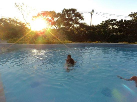 Bon Bini Pousada: piscina