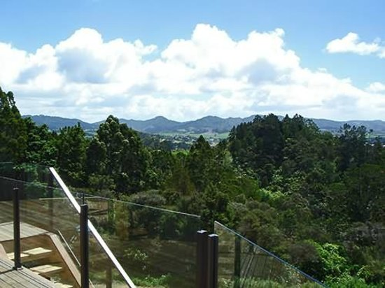Nancy's Garden : Magnificent views over Parry Kauri Park and the Mahurangi Estuary