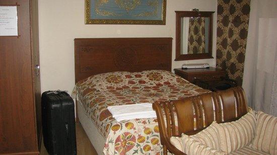Sah Otel Apartment: bed