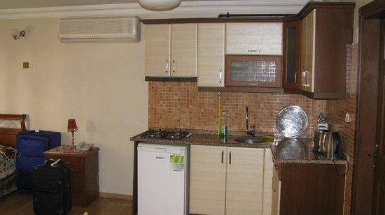 Sah Otel Apartment : kitchen