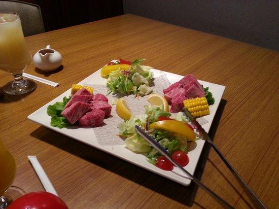Hakonenomori Okada: プラスの和牛 おなかいっぱいです