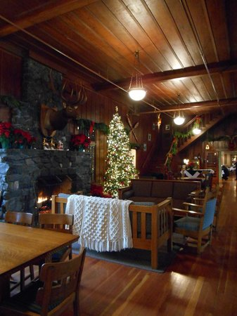 Lake Crescent Lodge: Christmas time in the Lodge