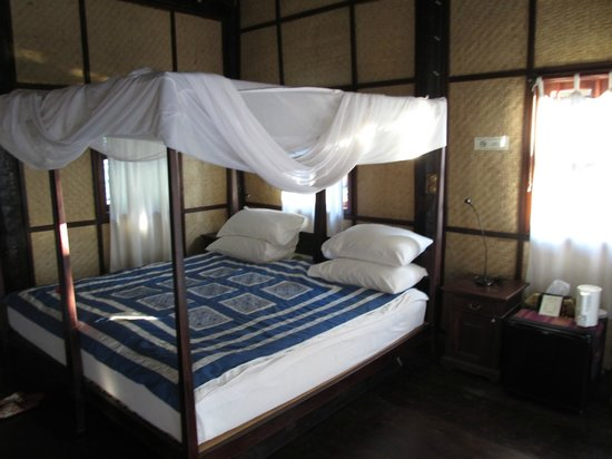Nong Kiau River Side Rooms : Bed