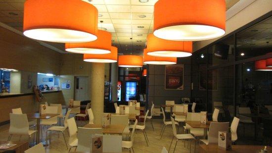 Travelodge Madrid Torrelaguna : ресторан
