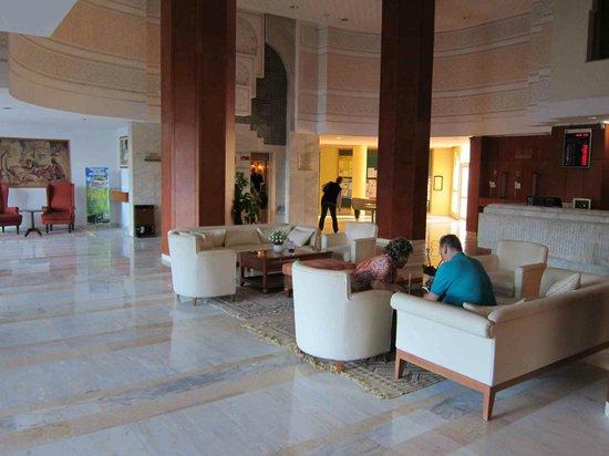 Marhaba Palace Hotel: Lobby