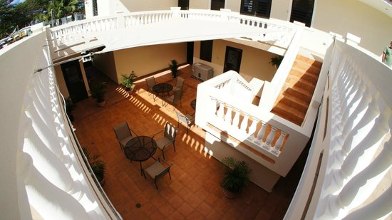 Punta Taino Guest House: Interior Patio from the Terrace