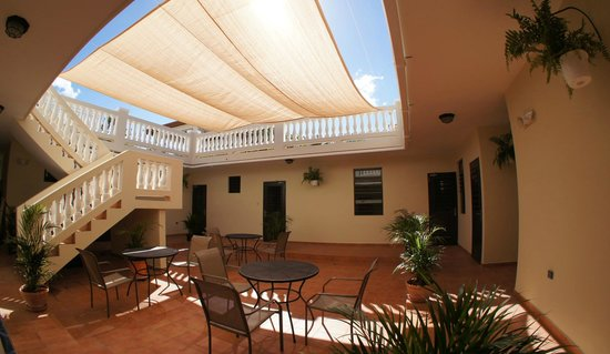 Punta Taino Guest House: Patio