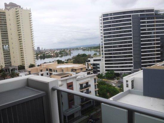 Meriton Serviced Apartments Aqua Street, Southport: View from balcony