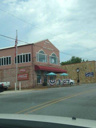 Woods Soda Fountain: the adorable shop