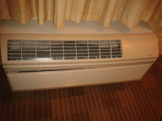 Extended Stay America - Miami - Coral Gables: Air conditioner