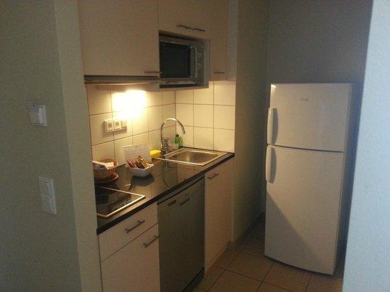 Citadines München Arnulfpark: Room 509 Kitchen